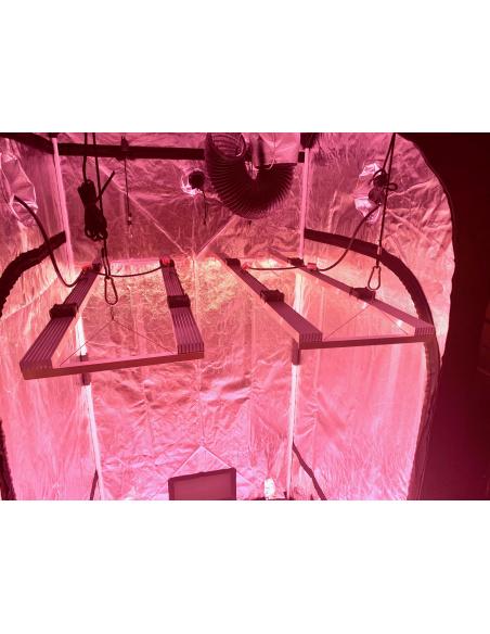 Exemple: 2 lampes de 200W, en tout 400W de V4 dans une box de 1x1m